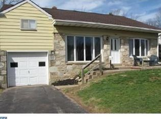 542 Constitutional Dr , Warminster PA
