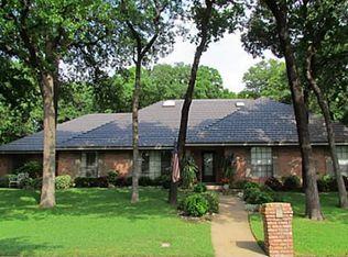1305 Riverview Dr , Arlington TX