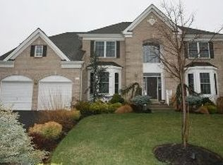 36 Sunflower Dr , Huntingdon Valley PA