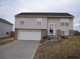 15826 Willow St , Omaha NE