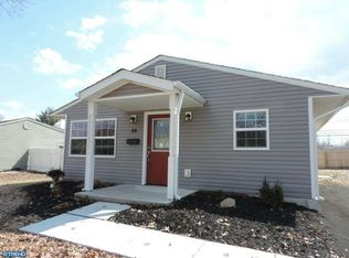 44 Forest Ln , Levittown PA