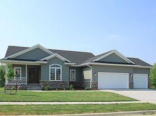 893 Tipperary Rd , Iowa City IA