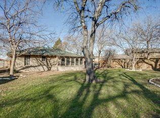 1910 Cottonwood Rd , Carrollton TX
