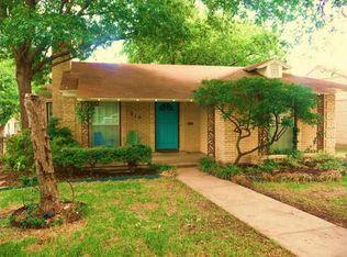 810 Westmount Ave , Dallas TX