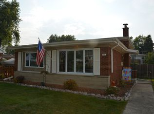 410 N Arquilla Dr , Chicago Heights IL