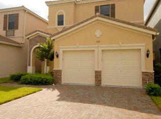 820 NE 191st St , Miami FL