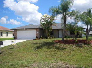 581 NW Colonial St , Port Saint Lucie FL
