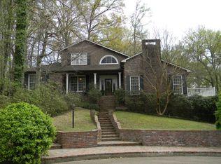 2 Lakewood Ln, Vicksburg, MS 39180