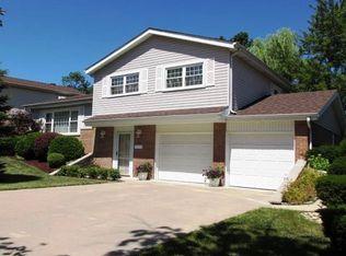 9036 Beechnut Rd , Hickory Hills IL
