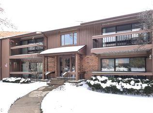 8098 S Garfield Ave Apt 5-4, Burr Ridge IL