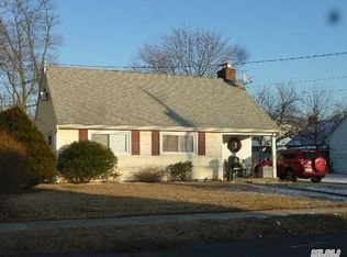 40 N Emerson Ave , Copiague NY