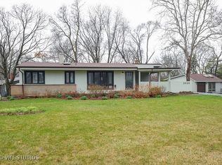 3926 Downers Dr , Downers Grove IL