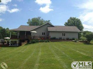 13370 Oak Rd , Otisville MI