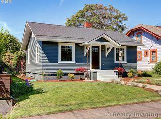 7015 NE Davis St , Portland OR