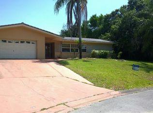 1243 Holiday Dr , Tarpon Springs FL