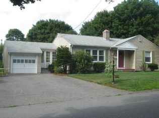121 Grove Ave , Somerset MA