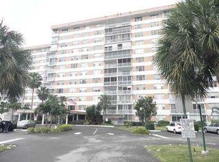 3800 Hillcrest Dr Apt 414, Hollywood FL