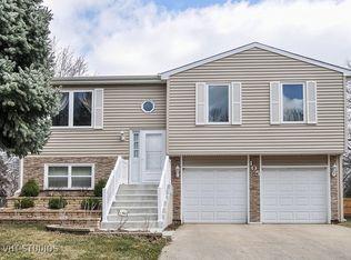 105 Arrowhead Ln , Bolingbrook IL