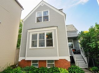 1223 W Barry Ave , Chicago IL