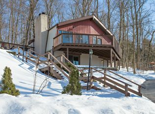 25 Red Oaks Mill Rd , Poughkeepsie NY