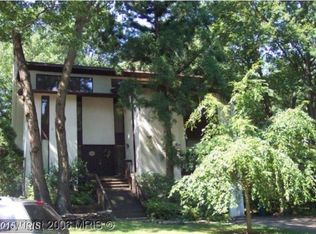 1320 Westhills Ln , Reston VA