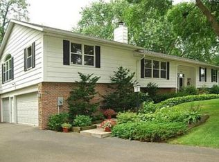 670 Wentworth Ave , Mendota Heights MN