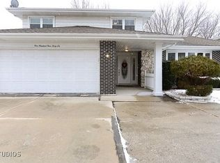 10446 S 84th Ave , Palos Hills IL