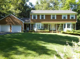 16 Paxford Ln , Scarsdale NY