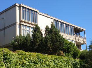 909 E Newton St Apt C6, Seattle WA