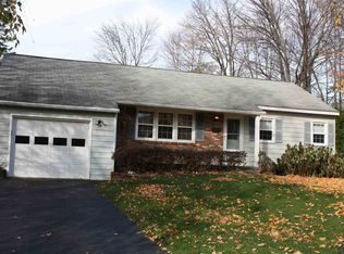 60 Point View Dr , East Greenbush NY