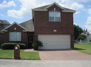 7689 Ameswood Rd , Houston TX