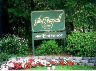 34 Pearsall Ave Apt P2, Glen Cove NY