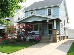 2071 Clarence Ave , Lakewood OH
