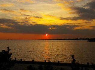 10 Great Cove Ln , Islip NY
