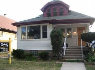 3457 S 10th St , Milwaukee WI