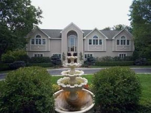 20 Shorewood Dr, Sands Point, NY