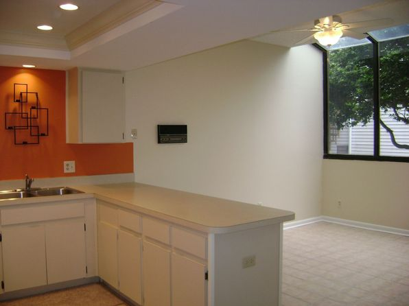 557 Pinellas Bayway S APT 201, Saint Petersburg, FL