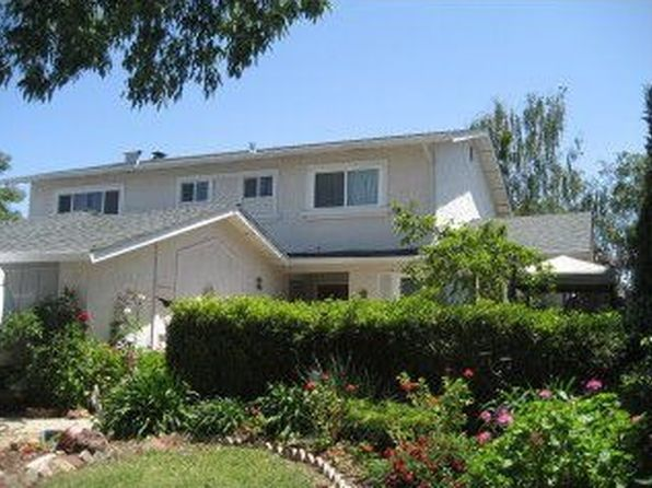 7300 Orchard Dr, Gilroy, CA