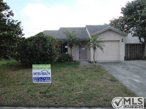 5781 Strawberry Lakes Cir, Lake Worth, FL