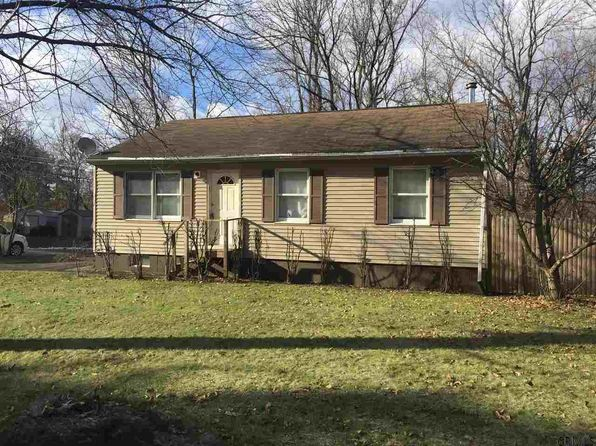 9 Orchard Ave, Rensselaer, NY
