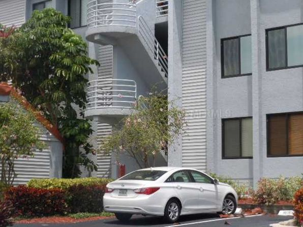 557 Pinellas Bayway S APT 202, Saint Petersburg, FL