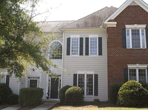 222 Anniston Ct, Cary, NC