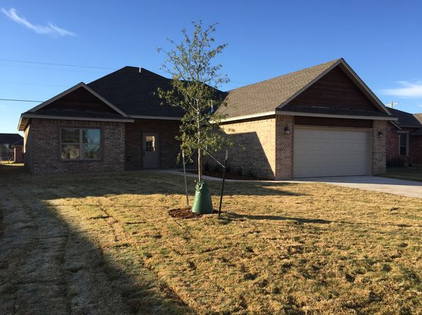 808 SW 10th St, Moore, OK