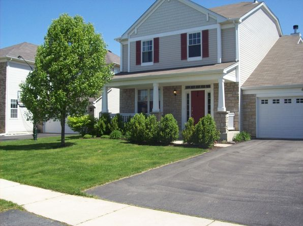 410 Red Sky Dr, St Charles, IL
