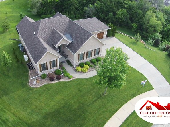 5260 Copper Creek Dr, Pleasant Hill, IA
