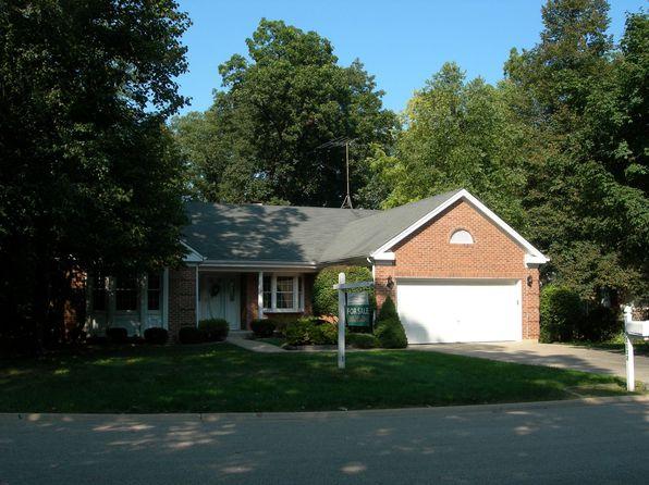 1132 Oak Ridge Dr, Streamwood, IL
