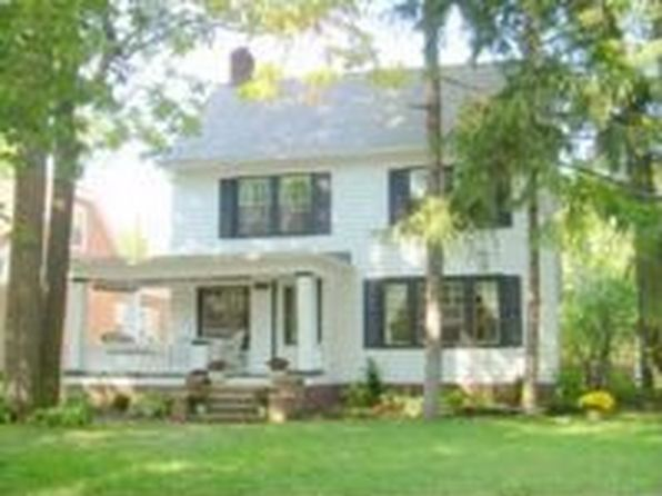 3005 E Derbyshire Rd, Cleveland Heights, OH
