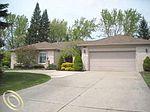 21981 Crescent Ct, Farmington Hills, MI