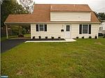 85 Ivy Hill Rd, Levittown, PA