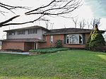 805 Kingsview Dr, Zanesville, OH
